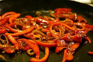 Rød peber og løg