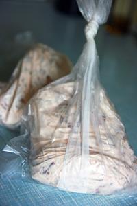 Marineret kød i poser