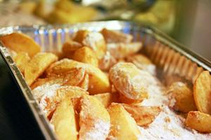 Kartofler i mel efter første stegning